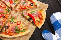 Delicious home made pizza Royalty Free Stock Photos