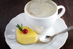 Delicious mango mini cake Royalty Free Stock Images