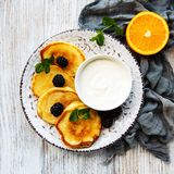 Delicious pancakes with blackberries. On white wooden background Royalty Free Stock Photography