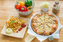 Delicious pizza with seafood Royalty Free Stock Images