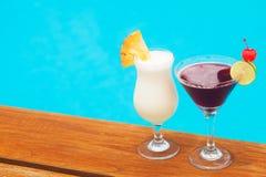 2 delicous коктеиля бассейном Стоковая Фотография RF