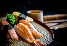 Delicous Hintergrund des japanischen Lebensmittels der Sushi Stockfotografie