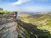 Delika jar z rzecznym Nervion, Alava, Hiszpania zdjęcia stock