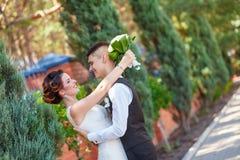 Delikat brud och brudgum Royaltyfri Foto