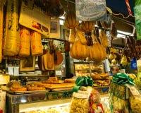 Delikatesy wśrodku Arthur alei rynku sprzedaży detalicznej w Bronx, Nowy Jork zdjęcie stock