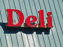 Delikatesy znak Na Zamkniętym sklepu łańcuchu Fotografia Royalty Free