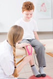 Delikatna opieka młody pacjent obrazy stock