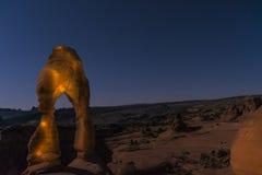 Delikatny łuk przy nocą, Moab Utah zdjęcia stock