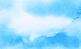 Delikatny lekki nieba b??kita koloru akwareli t?o Subtelny aquarelle maluj?ca papierowa textured kanwa dla rocznika projekta fotografia stock