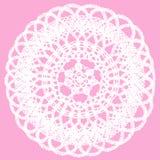 Delikatny trykotowy koronkowy doily odizolowywający na różowym tle Obrazy Royalty Free