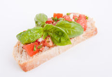 Deliscious新鲜的bruschetta开胃菜用蕃茄  免版税库存照片