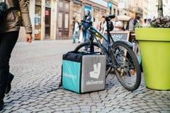 Deliveroo ładunku pudełko w mieście Fotografia Stock