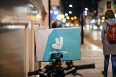Deliveroo leveranscykel i stad av London Fotografering för Bildbyråer