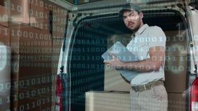 Deliveryman pisze na schowku zbiory