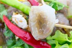 Delizioso piccante del peperoncino rosso rosso della carne di maiale della tapioca molto Fotografia Stock Libera da Diritti