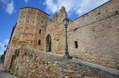 Oude ingang bij het dorp, Montefiore dell'Aso, Italië Royalty-vrije Stock Foto