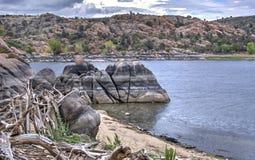 Dell гранита Уотсона озера, Prescott Аризона США стоковая фотография rf