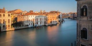 Dell'Accademia et Grand Canal de Ponte à Venise image stock