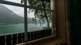 Dell'interno del tempo-laspe di Mindresunde Norvegia di campeggio stock footage