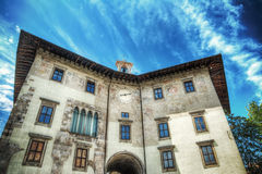 Dell'Orologio de Palazzo sob um céu nebuloso Fotografia de Stock
