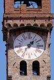 Dell& x27 Torre; Orologio, каменная колокольня в Лукке, Италии Стоковое фото RF