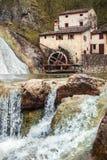 Della antiguo viejo Croda de Vecchio Mulino del molino en Italia Imagen de archivo