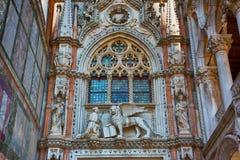 Della Carta de Porta do palácio dos doges Veneza Italy Fotos de Stock