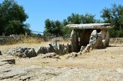 Della Chianca del dolmen en la ciudad de Bisceglie, Apulia, Italia fotografía de archivo libre de regalías