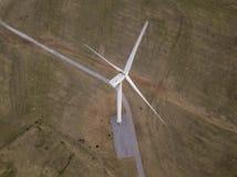 Della cima vista aerea giù del generatore eolico in Oklahoma, U.S.A. Fotografia Stock