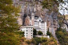 Della Corona Sanctuary - Verona Italy di Madonna Immagine Stock