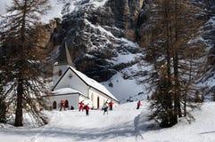 Della Croce - Ospizio Santa Croce - Chiesa Santa Croce di Sasso nell'ambito del gruppo nelle dolomia italiane, Trentino, AIS di C Immagine Stock