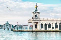 Della Dogane de Punta en Venecia, Italia Imágenes de archivo libres de regalías