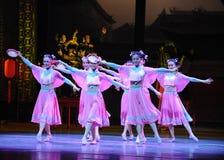 Della domestica- l'atto rosa in primo luogo degli eventi di dramma-Shawan di ballo del passato Fotografie Stock Libere da Diritti