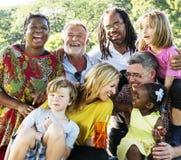 Della famiglia di picnic concetto di rilassamento di unità all'aperto immagine stock libera da diritti
