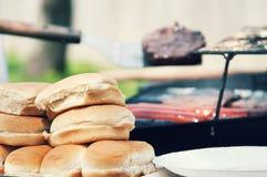 Della griglia alimento fuori per il cuoco fuori Fotografia Stock Libera da Diritti