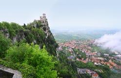 Della Guaita, la forteresse la plus antique de Rocca du Saint-Marin, AIE Photo stock