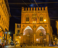 Della Mercanzia de Palazzo à Bologna, Italie Photographie stock libre de droits