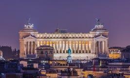 Della Patria di Altare di notte come visto da Pincio, Roma, Italia Fotografia Stock