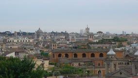 Della Patria, panorama de San Carlo al Corso y de Altare opinión aérea de Roma, Italia almacen de metraje de vídeo