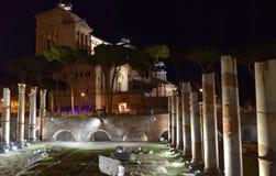 Della Patria Roma di Altare di notte Immagini Stock Libere da Diritti
