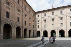 Della Pillotta de Palazzo que contiene el teatro de Farnese y el natio Imágenes de archivo libres de regalías