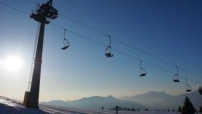 Della Presolana, Italia de Castione La opinión la gente en el esquí se inclina almacen de video