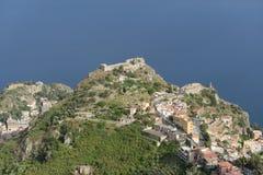 Della Rocca de Madonna de Taormina, de castelo e de capela Foto de Stock
