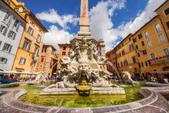 01 05 2016 - Della Rotonda (Fontana del Pantheon) de Fontana di Piazza en Roma Fotografía de archivo