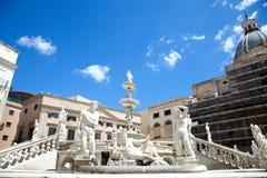 delle χλωμότερη πλατεία Πραιτώρια fontana vergogne στοκ εικόνες