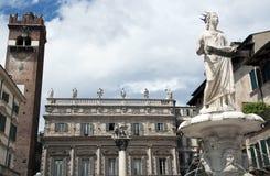 Delle Erbe, la place la plus ancienne de Piazza à Vérone Photographie stock