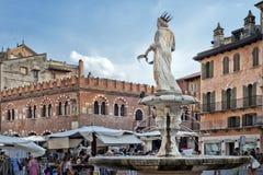 Delle Erbe, Vérone, Italie, l'Europe de Piazza Image stock