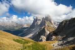 Delle Odle de Geislergruppe ou de Gruppo, dolomites italianas Imagem de Stock Royalty Free