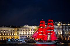 Delle vele di San Pietroburgo color scarlatto immagini stock
