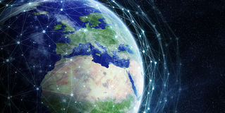 Dello scambio dei dati e rete globale sopra la rappresentazione del mondo 3D Fotografia Stock Libera da Diritti